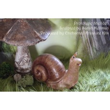 SHELLDEN SNAIL VINYL KIT SCULPTED BY SARAH MELLMAN PRE ORDER
